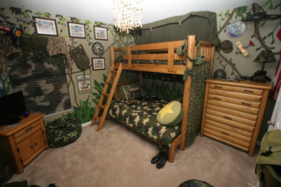 camouflage-boys-room-with-bunk-beds