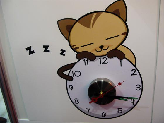 часы-кошка