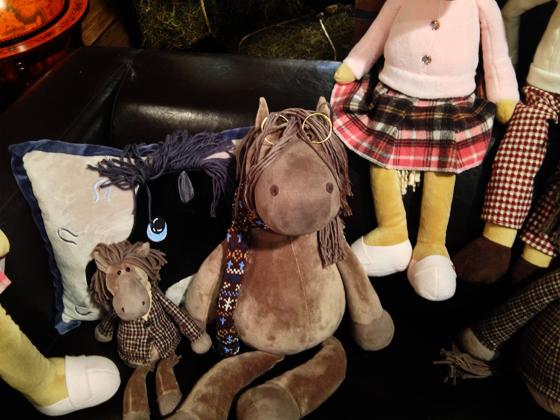 плюшевые лошадки