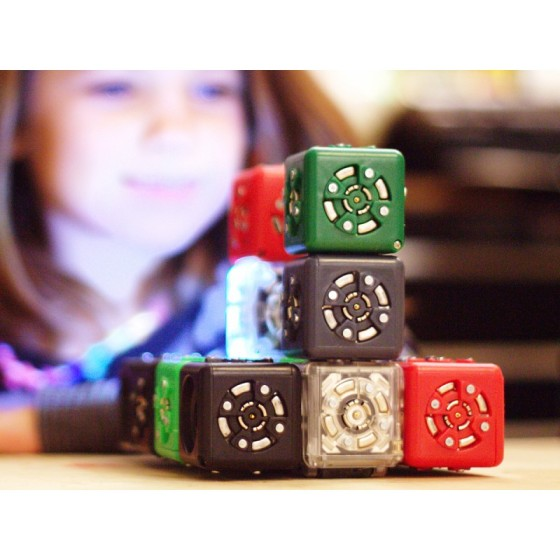 cubelets_girl