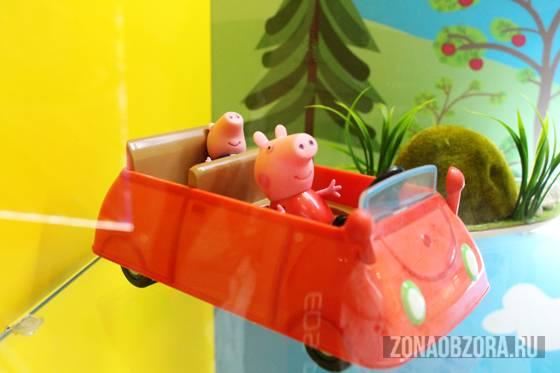 pig peppa in the car